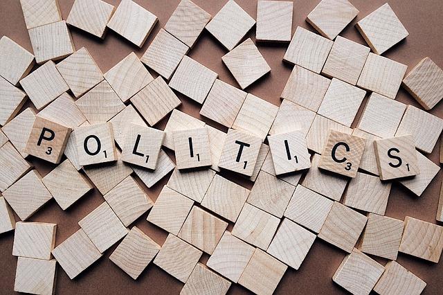 Co to jest autorytaryzm i totalitaryzm