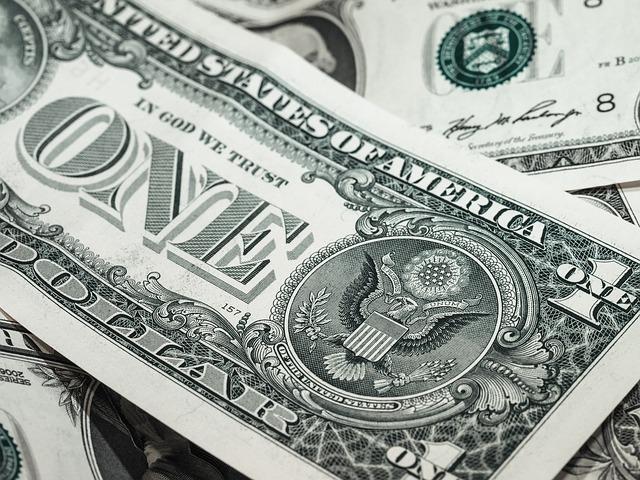 Kredyt w banku czy parabaknu?