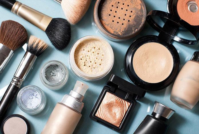 Codzienny makijaż krok po kroku – najlepszy poradnik!